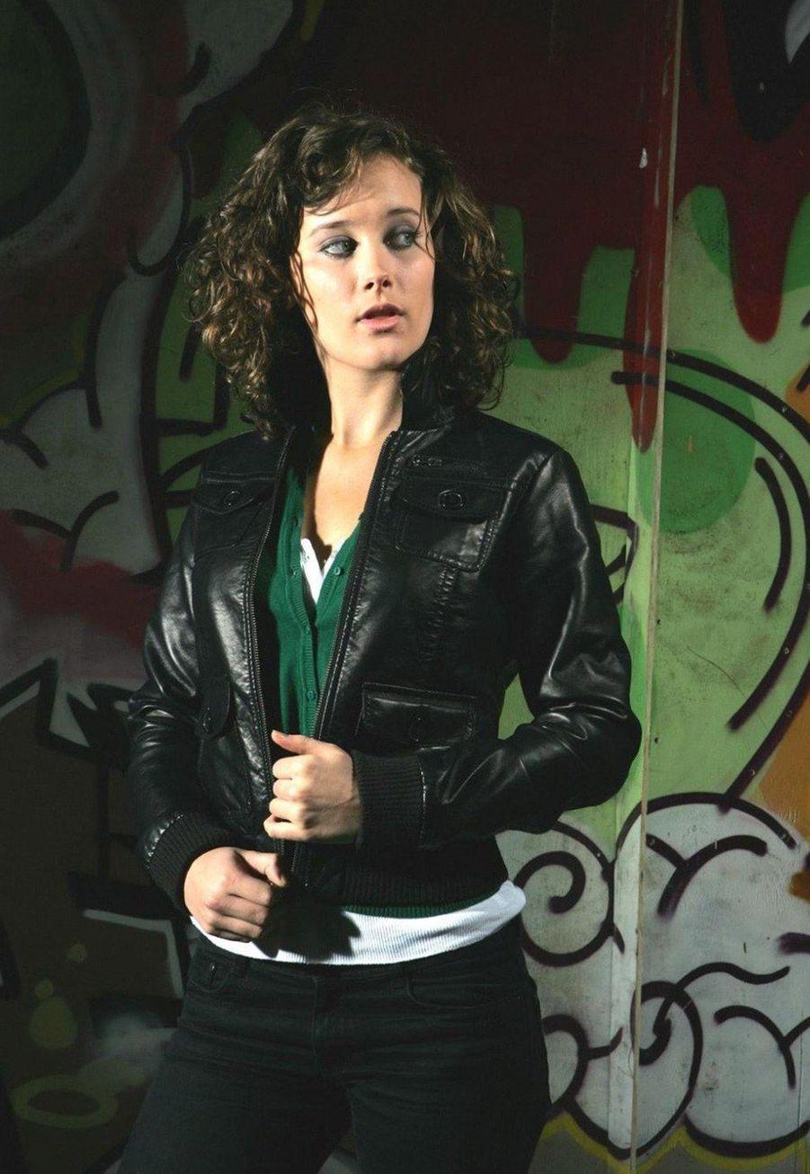 April Pearson (Michelle)