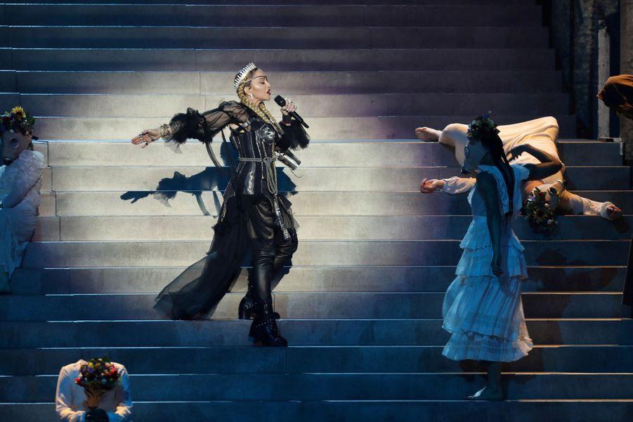 Madonna chante lors de l'Eurovision à Tel-Aviv le 18 mai 2019