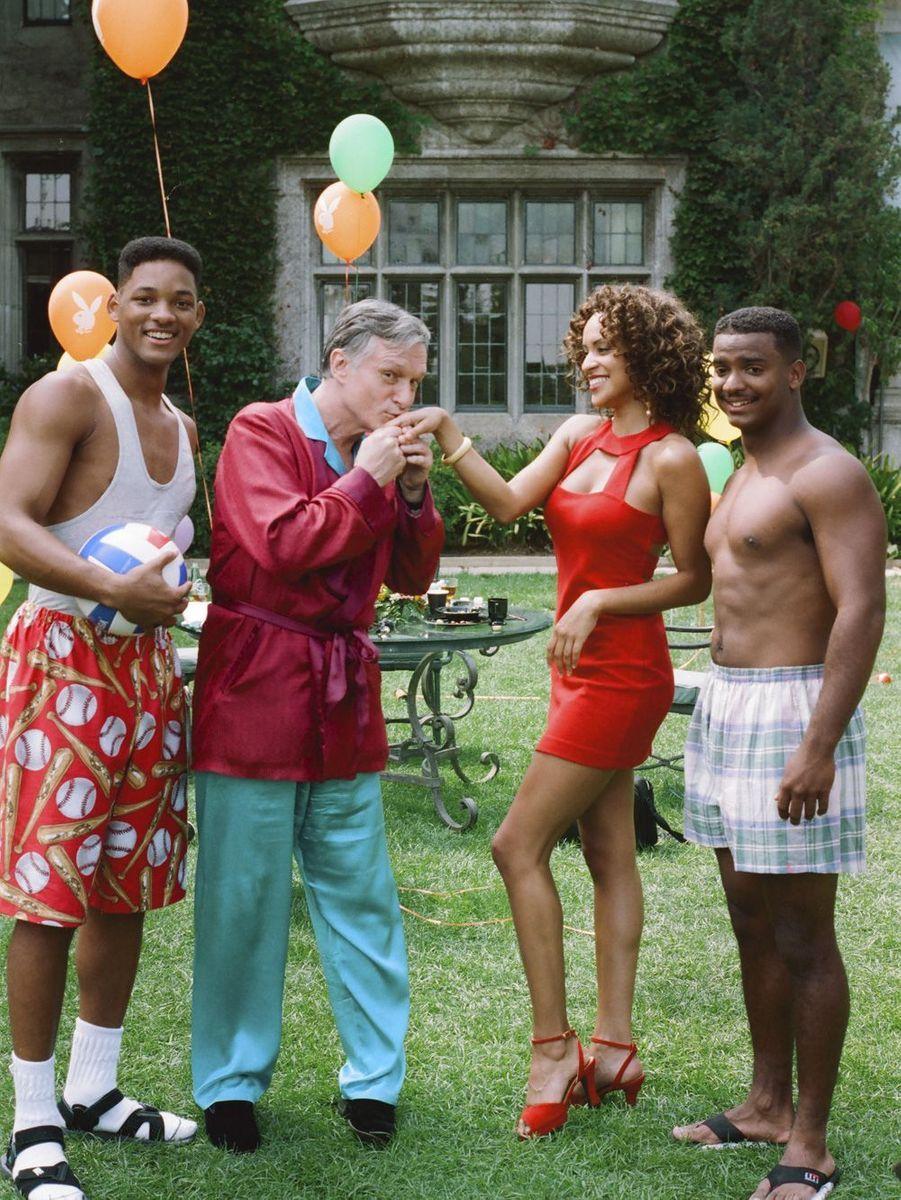 """Jouant son propre rôle, Hugh Hefner apparaît dans la série le """"Prince de Bel Air"""" aux côtés de Will Smith."""