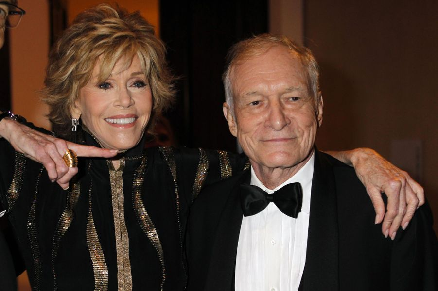 Jane Fonda pose avec Hugh Hefner au Society of Singers annual dinner de Beverly Hills le 19 septembre 2011.