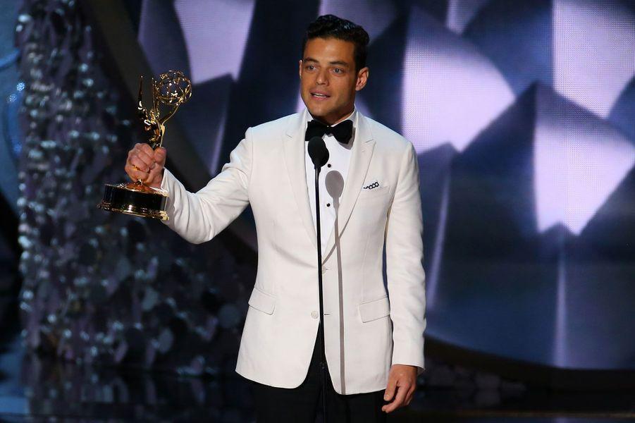 """Meilleur acteur dans une série dramatique : Rami Malek, """"Mr. Robot"""" (USA)"""