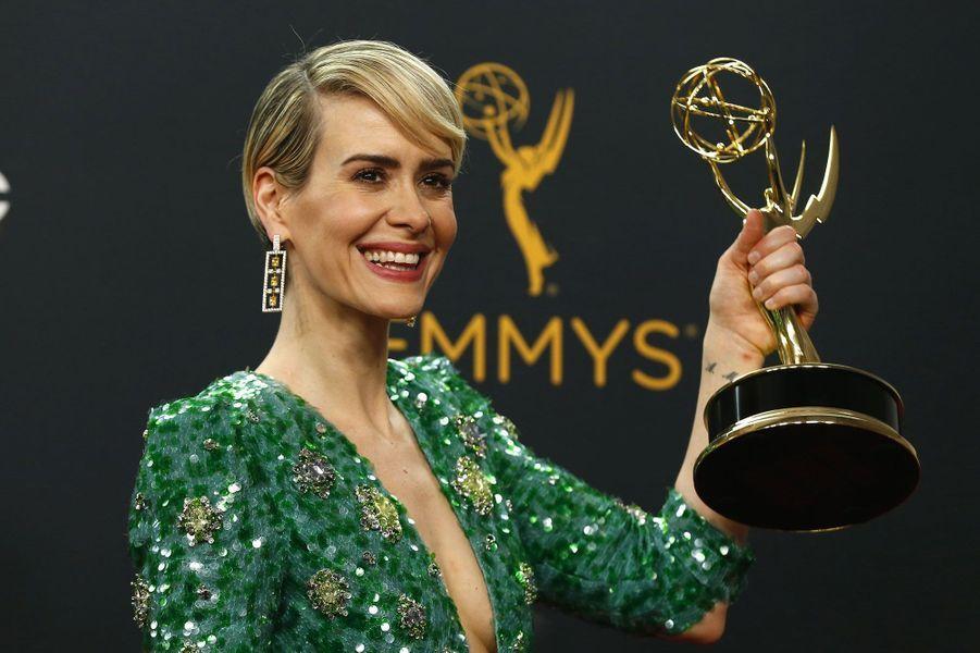 """Meilleure actrice dans un téléfilm ou une mini-série : Sarah Paulson, """"The People v. O.J. Simpson"""" (FX)"""