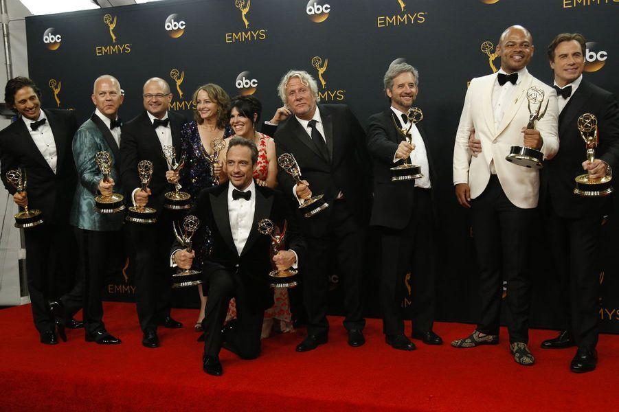 "Meilleure mini-série : ""The People v. O.J. Simpson : American Crime Story"" (FX)"