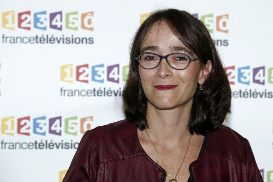 Delphine Ernotte a de grands projets pour France Télévisions. Après une ascension fulgurante au sein d'Orange, elle est la première femme à la tête du groupe audiovisuel public. Cette travailleuse acharnée de 49 ans prévoit notamment la création d'une chaîne d'infos en continu sur une fréquence de la TNT, malgré un déficit qui pourrait atteindre 50 millions d'euros à l'horizon 2016.