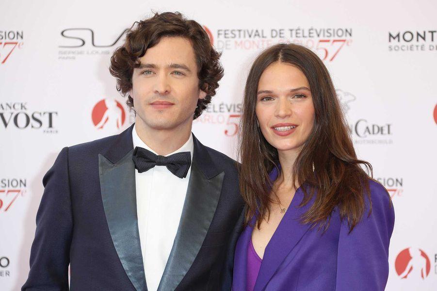 """Alexander Vlahos et Anna Brewster (""""Versailles"""")"""