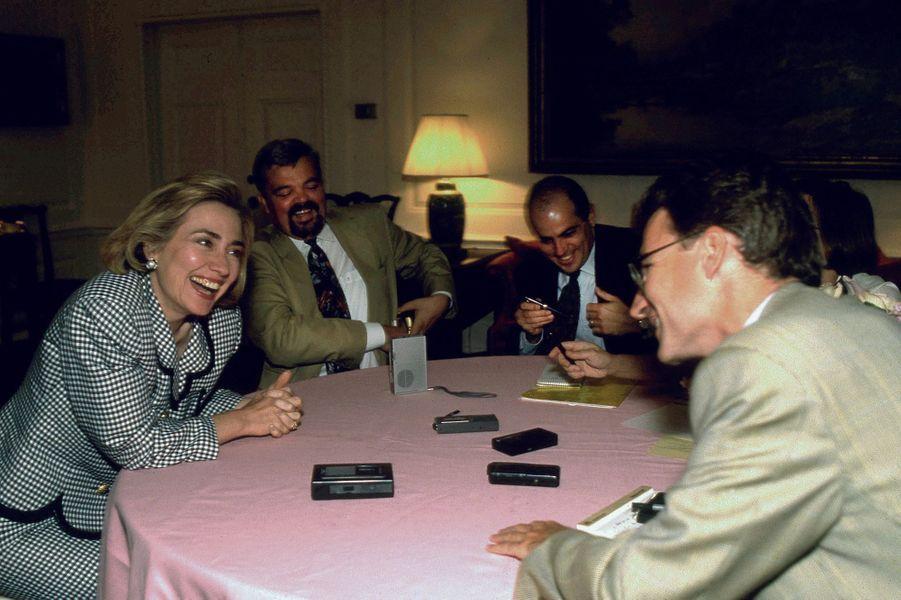 Washington, 1994, à la Maison-Blanche avec la première dame Hillary Clinton.