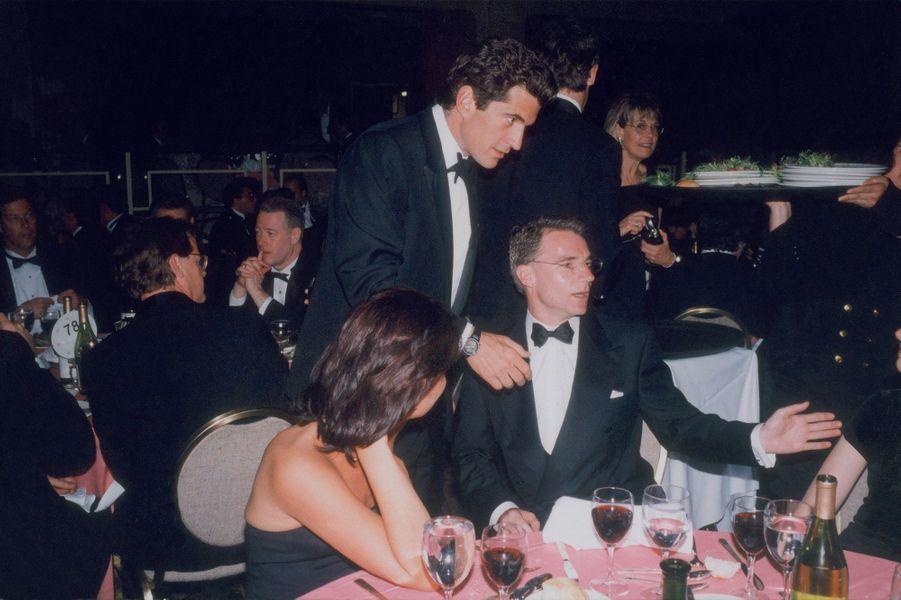 Le 4 mai 1996, à Washington, lors du dîner annuel des correspondants de presse à la Maison-Blanche. Pour Match, Olivier Royant sera resté dix ans à New York.