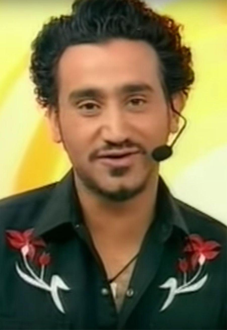 Cyril Hanouna : Lorsqu'il arrive aux manettes du «Morning Live» en 2003, Cyril Hanouna n'était pas l'animateur du Paf reconnu qu'il est aujourd'hui. Il enchaînait les émissions à la durée de vie limitée comme «La Vie est une fête» (Comédie !), «Le Gros direct» (Direct 8), «Hanouna Plage» (France 3) ou «Fa Si La chanter» (France 3). Aujourd'hui, un million de fidèles regardent son émission «Touche pas à mon poste» sur C8 et il est devenu une valeur sûre du groupe Canal avec lequel il multiplie les projets d'émissions.
