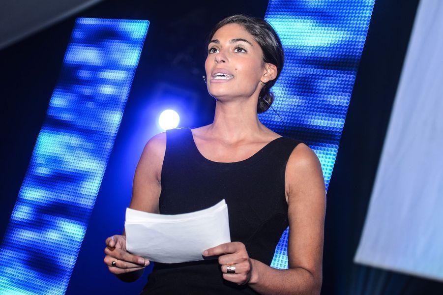 Décembre 2012, l'ex-miss Belgique assiste à l'inauguration du centre d'innovation «Living Tomorrow 2020», à Vilvoorde (Belgique).