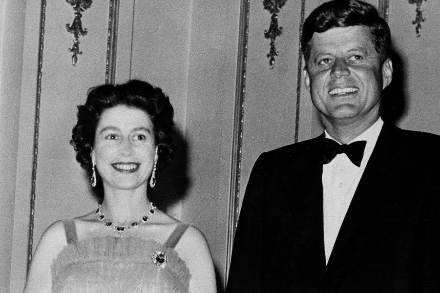 La reine Elizabeth II et J.F Kennedy en 1961