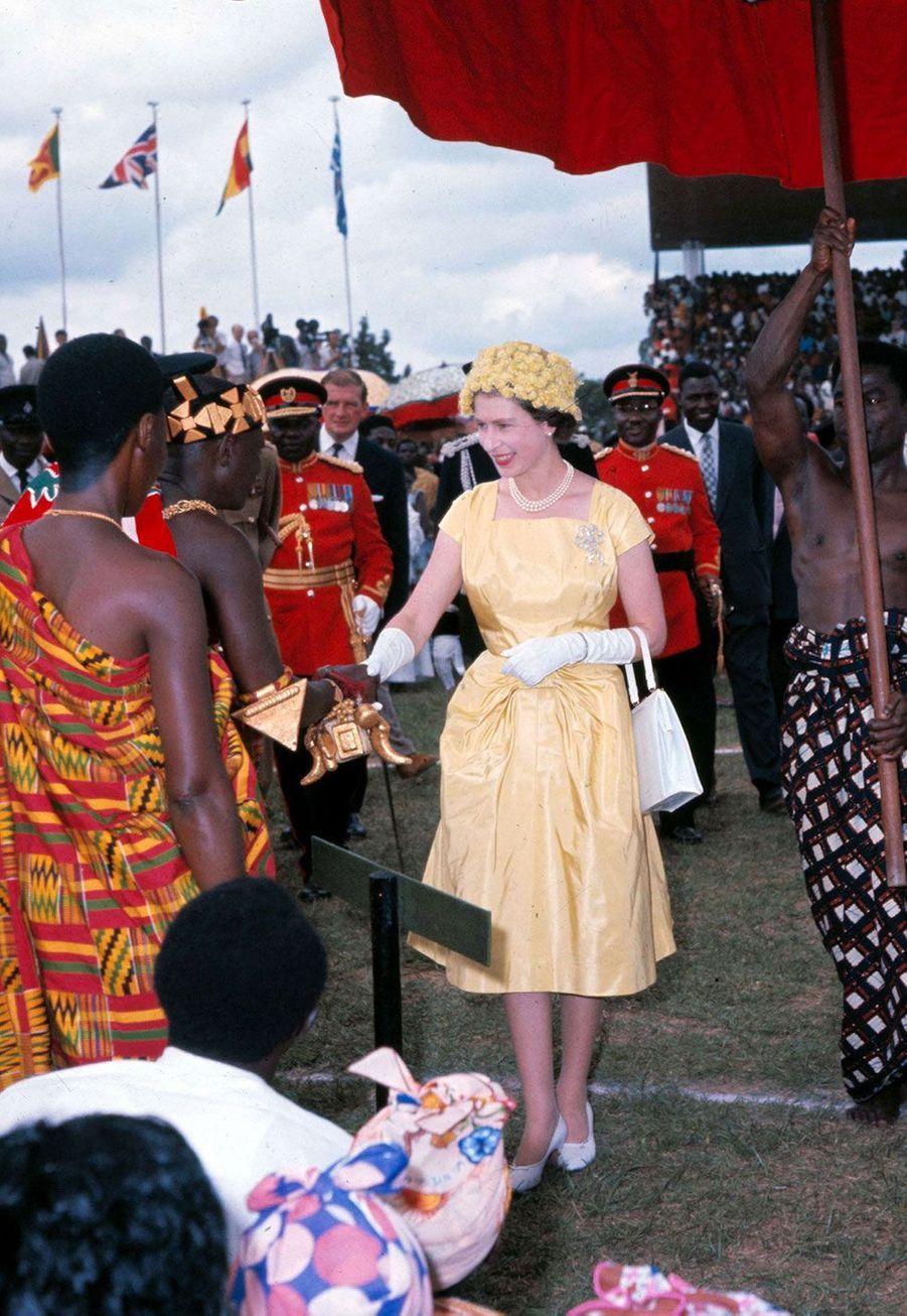 La reine Elizabeth II en visite au Ghana en 1961