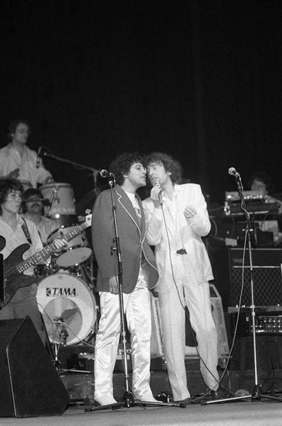Alain Souchon lors de sa premiere sur scène à l'Olympia avec Laurent Voulzy à Paris en janvier 1979