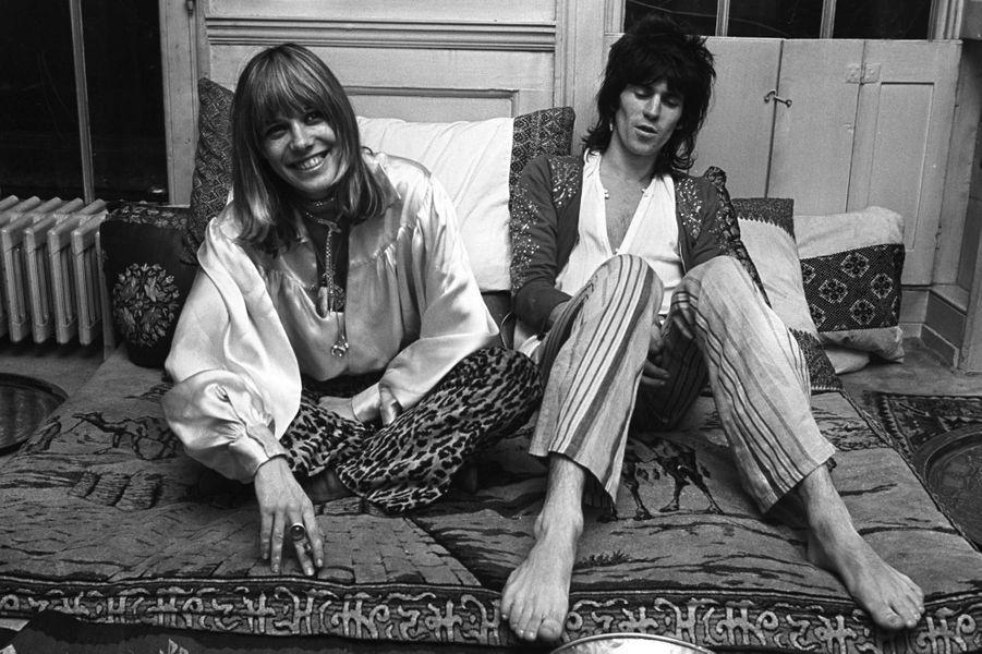 Anita Pallenberg et Keith Richards à Londres en 1969.