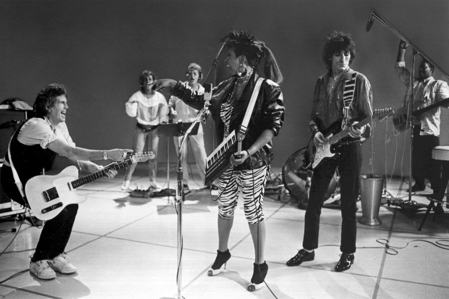 Aretha Franklin avec Keith Richards et Ron Wood des Rolling Stones, en 1968.