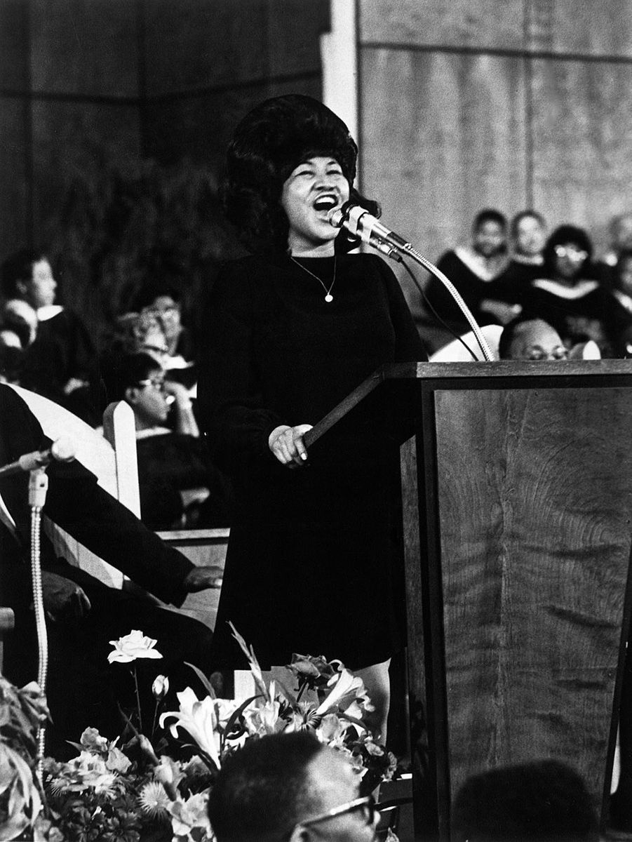 Aretha Franklin chante à la New Bethel Baptist Church de Detroit, en 1968.