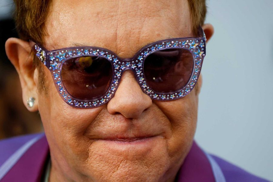 6- Elton John, 565 millions de dollars