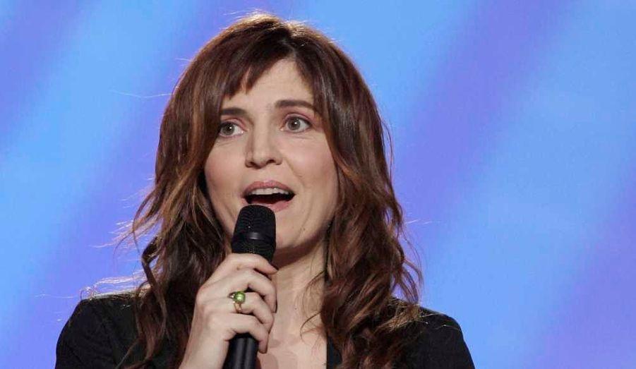"""L'actrice et scénariste a sorti deux albums: """"Canta"""", en 2006 (récompensé par une Victoire de la musique), et """"Dans mon pays"""" trois ans plus tard."""
