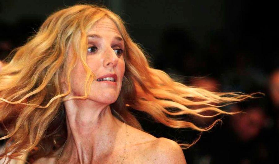 """L'actrice de films et pièces de théâtre aussi diverses que """"En avoir (ou pas)"""", """"Le Roman de Lulu"""" ou encore """"Mademoiselle Chambon"""" a sorti en 2005 un album intitulé """"Manquait plus qu'ça"""", et en 2007, un autre: """"Coupés bien net et bien carré""""."""