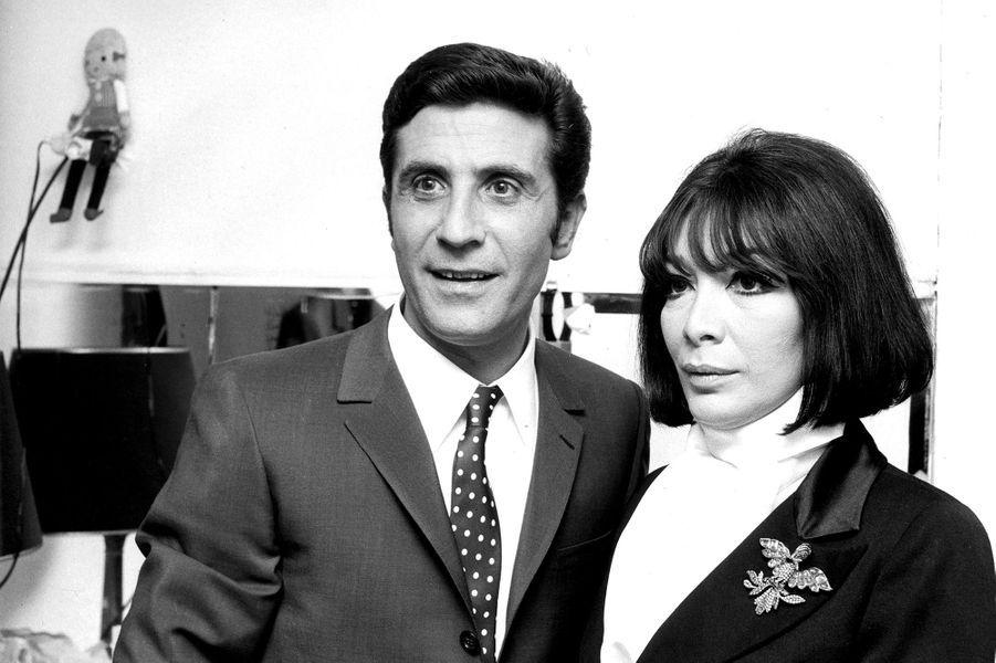 Juliette Gréco et Gilbert Bécaud en 1969.