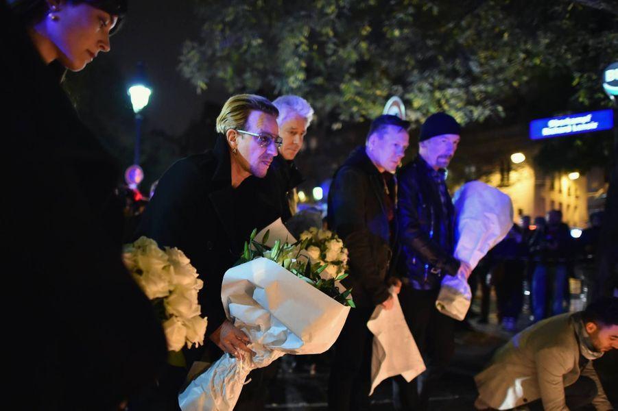 Bono et le groupe U2 se sont recueilli à Paris