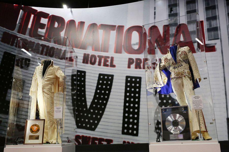 Le roi est mort, vive le King Elvis Presley