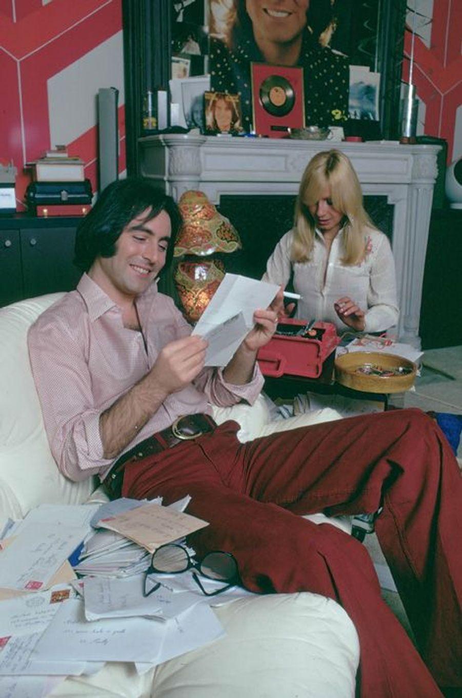 Michel Delpech chez lui en 1974