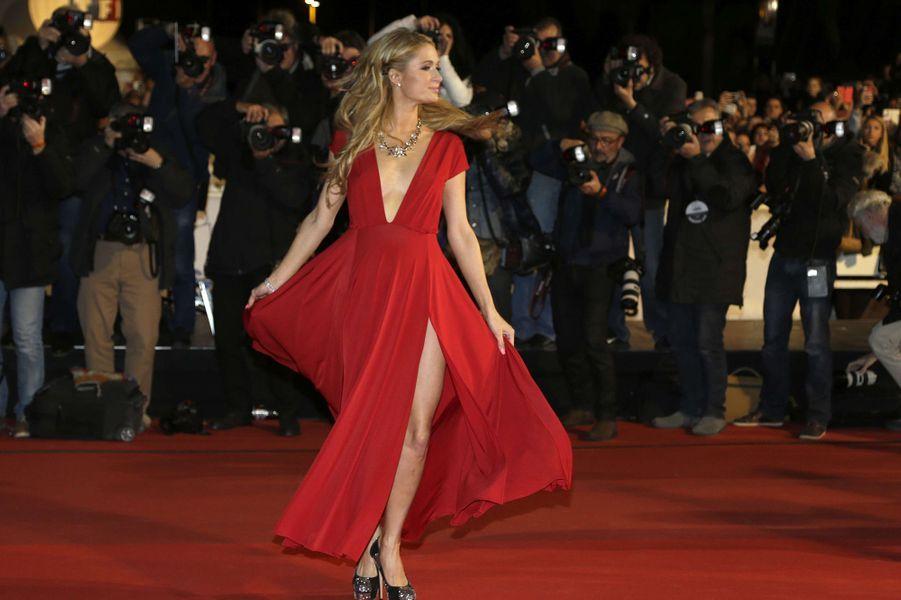 Paris Hilton à Cannes le 13 décembre 2014