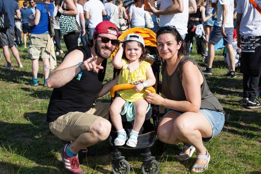 Un couple venu d'Alfortville. Tous deux travaillent chez SFR et sont venus passer un moment en famille. « L'aspect écologique du festival nous attirait, nous essayons vraiment de faire des efforts au quotidien, surtout depuis que nous avons notre fille. »