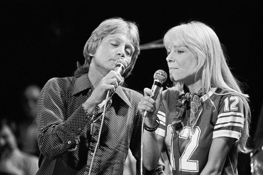 Claude Francois et France Gall lors d'une émission de télévision en 1974.