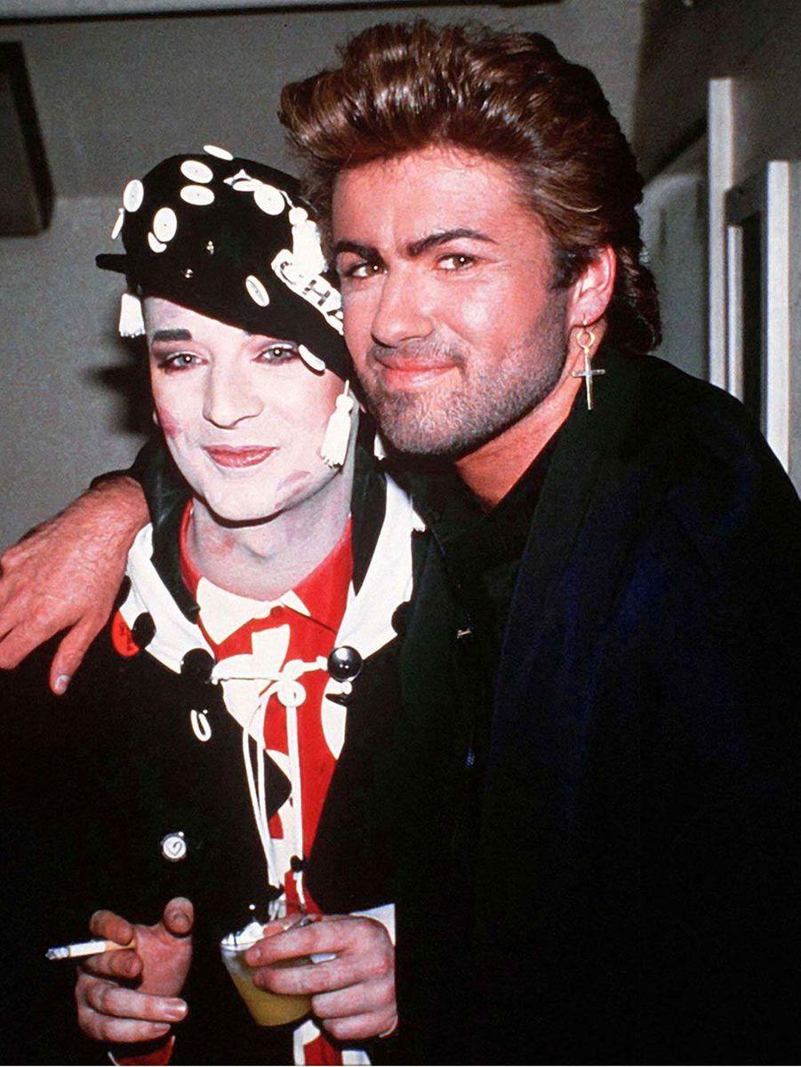 George Michael accompagné de Boy George