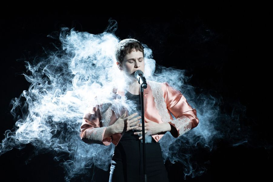 Christine and the Queens aux NRJ Music Awards.