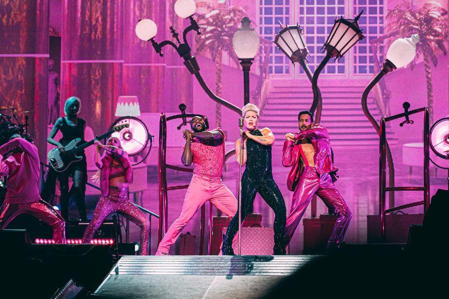 Pink sur la scène de la Paris La Défense Arena, le 3 juillet 2019.