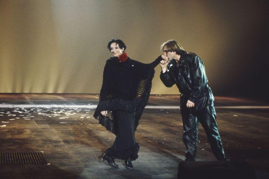 Sur la scène du Zénith à Paris, avec Gérard Depardieu, en 1986.