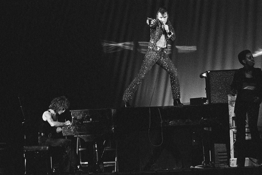 Johnny avec Michel Polnareff, au Palais des Sports de Paris, septembre 1971