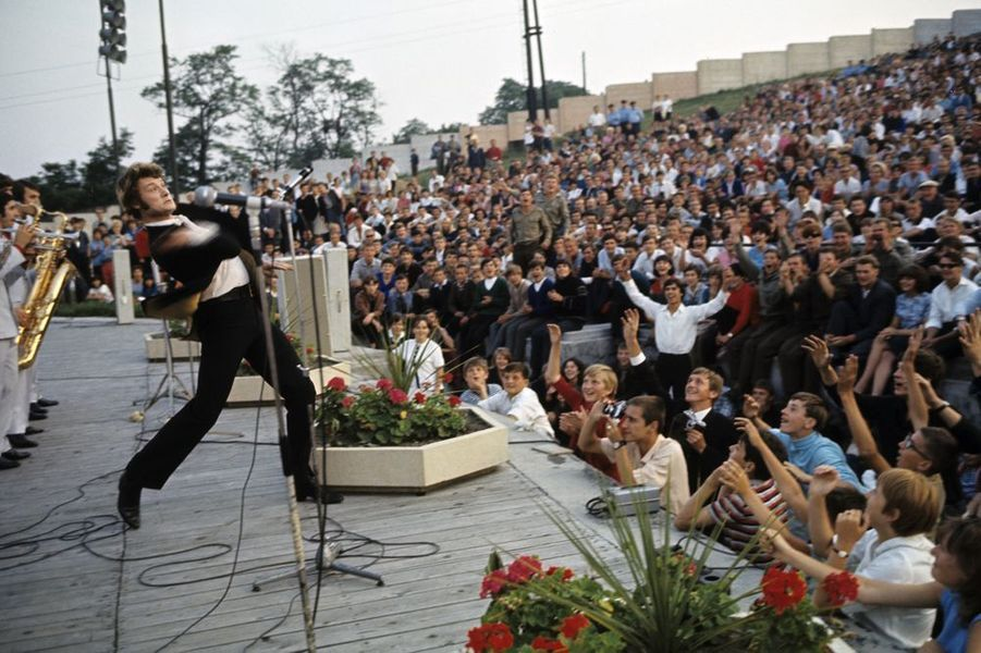 Johnny chante en Tchécoslovaquie, juillet 1967