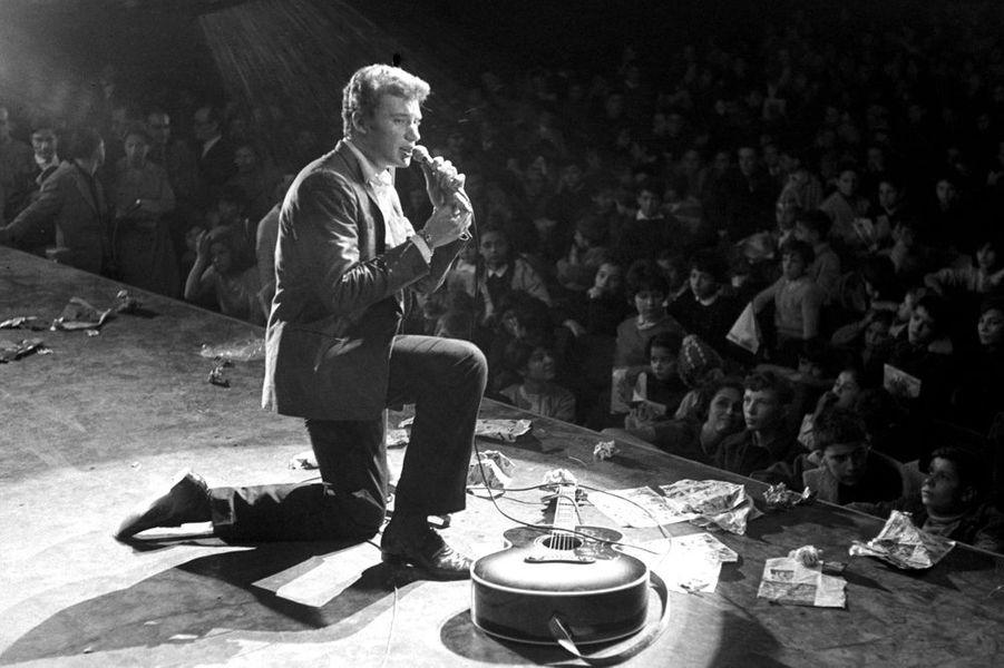 Johnny en concert en décembre 1962