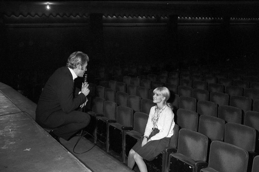 Le premier Olympia de Johnny, Sylvie Vartan est à ses côtés pour sa préparation, 26 novembre 1965