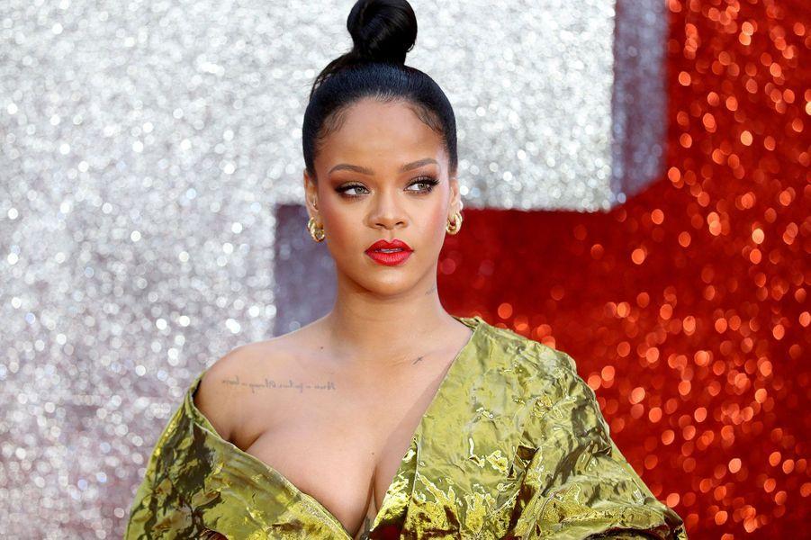 7- Rihanna (37,5 millions de dollars)