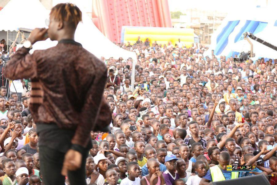 Concert du FEMUA Kids devant près de 3000 petits spectateurs.
