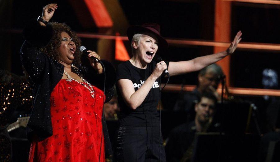L'étonnante rencontre entre la moitié d'Eurythmics, Annie Lennox et la grande dame de la Soul, Aretha Franklin.