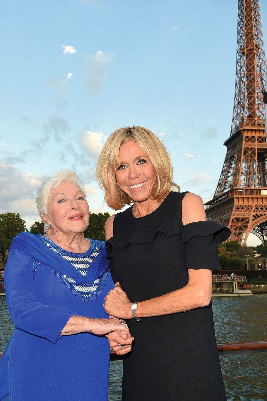 Avec Brigitte Macron.