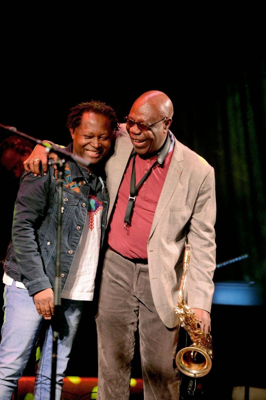 Avec le chanteur congolais Lokua Kanza.