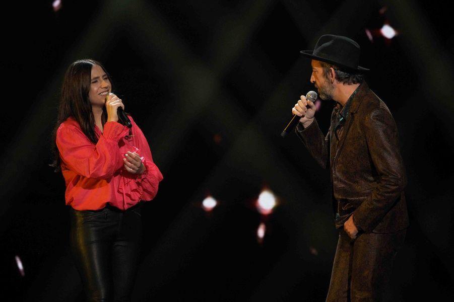 Izia Higelin et Arthur Hsur la scène des Victoires de la musique 2019.