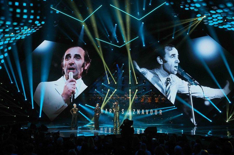 L'hommage à Charles Aznavour.