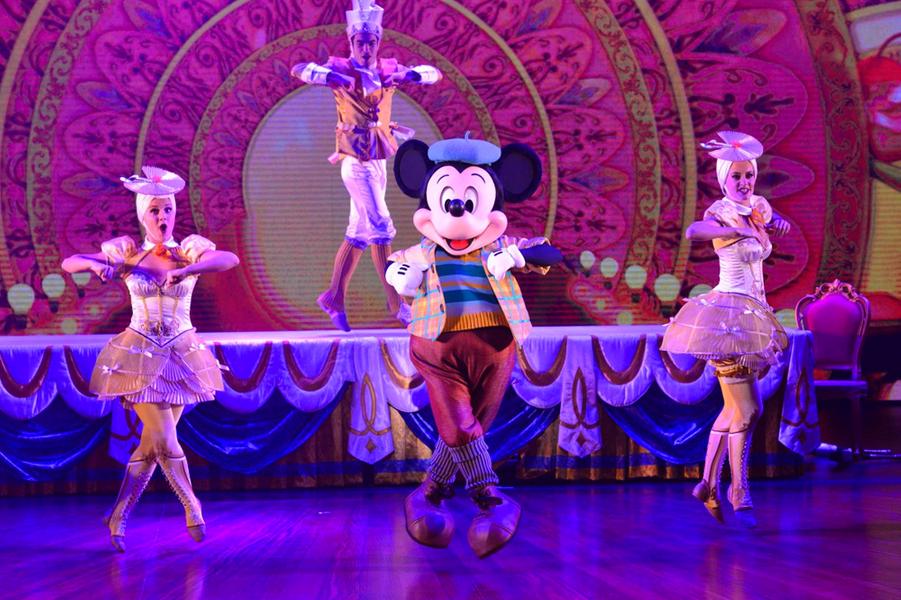 "Avec ""Mickey et Le Magicien"", un air de Broadway à Disneyland"