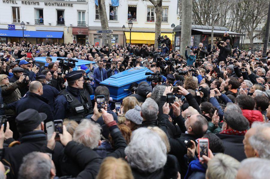 La foule aux obsèques de Michou