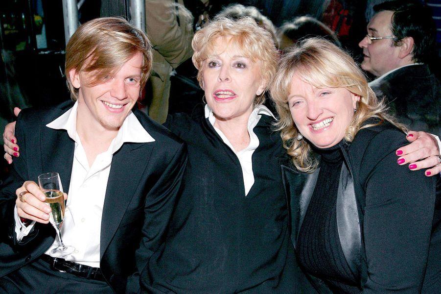 Alex Lutz, Sylvie Joly et Charlotte de Turckheim en septembre 2005