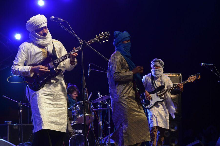 Le groupe malien TerakaftauFestival international des Nomades à M'hamid El Ghizlane, Zagora, Maroc. Mars 2017.
