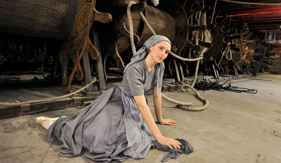 """Promue étoile en 2007, dans le rôle de Cendrillon, elle avait déjà accompli son rêve : « Incarner Odette, du Lac des cygnes"""", le premier ballet que j'ai vu enfant. »"""