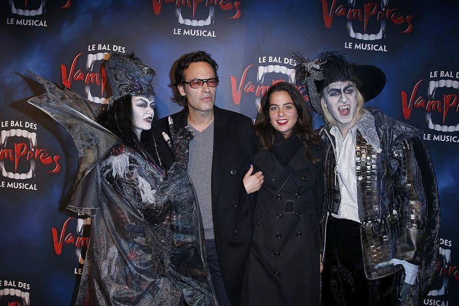 """Anthony et Anouchka Delon à la première de la comédie musicale """"Le Bal des Vampires"""" au théâtre Mogador le 16 octobre à Paris"""